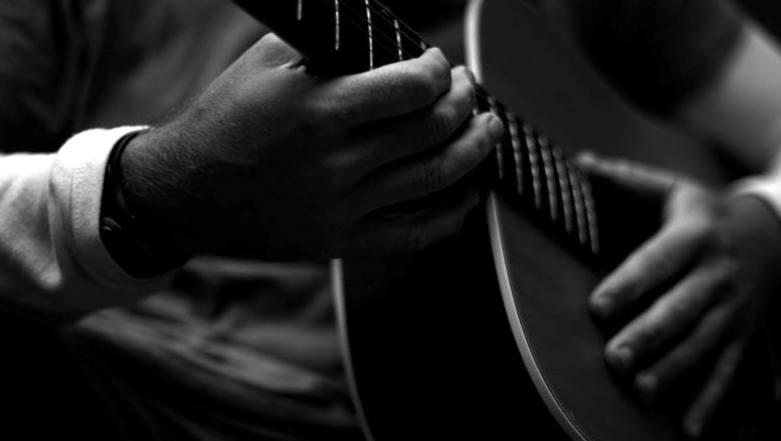 obuchenie-igre-na-gitare